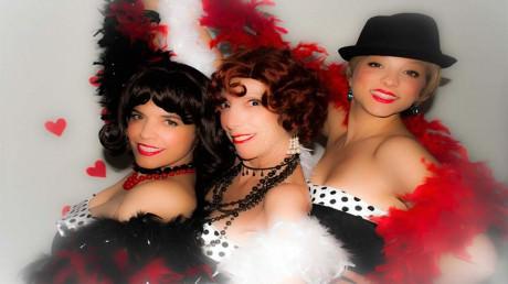 Chipi (Lorena Sabogal), Bombon (Laura Quiroga) and Kiki (Cecilia De Feo).
