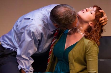 Lee Ordeman as Dracula and Carolyn Kashner as Lucy (Photo: Teresa Wood).