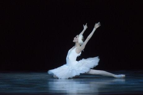 Alina Somova in The Swan. Photo by V.Baranovsky.