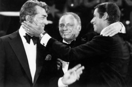 The 1975 Dean Martin reconciliation with Frank Sinatra. Photo by Getty Images/Getty Images).