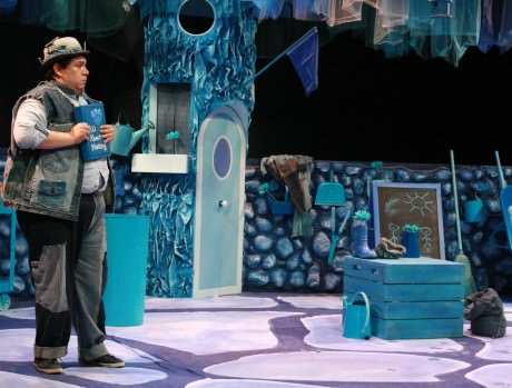 Phil Reid as Inky Blue. Photo courtesy of Imagination Stage.