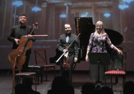 Cellist Sean Neidlinger,  Artistic Director and violinist Leo Sushansky, and pianist Kathryn Brake. Photo by Robert Jansen.