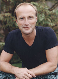 Tenor Rufus Muller. Photo courtesy of his website.