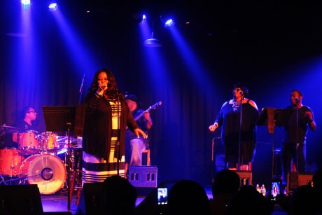 Maysa and band. Photo by Malcolm Lewis Barnes.