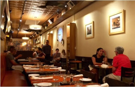 The friendly dining room at Et Voila!