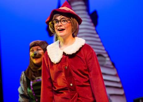 Allie Lytle as Elf.