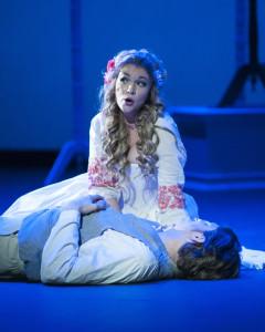 Zerlina (Laynee Woodward) comforts her fiance Masetto (Mark Wanich). Photo by Teresa Castracane.