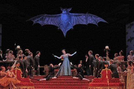 Jane Archibald and the Santa Fe Opera Chorus. Photo by Ken Howard.