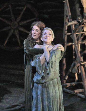 Sondra Radvanovsky and Joyce DiDonato. Photo by Ken Howard.