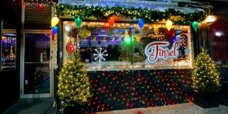 Tinsel Christmas Pop-Up Bar. Photo by Kory Aversa.