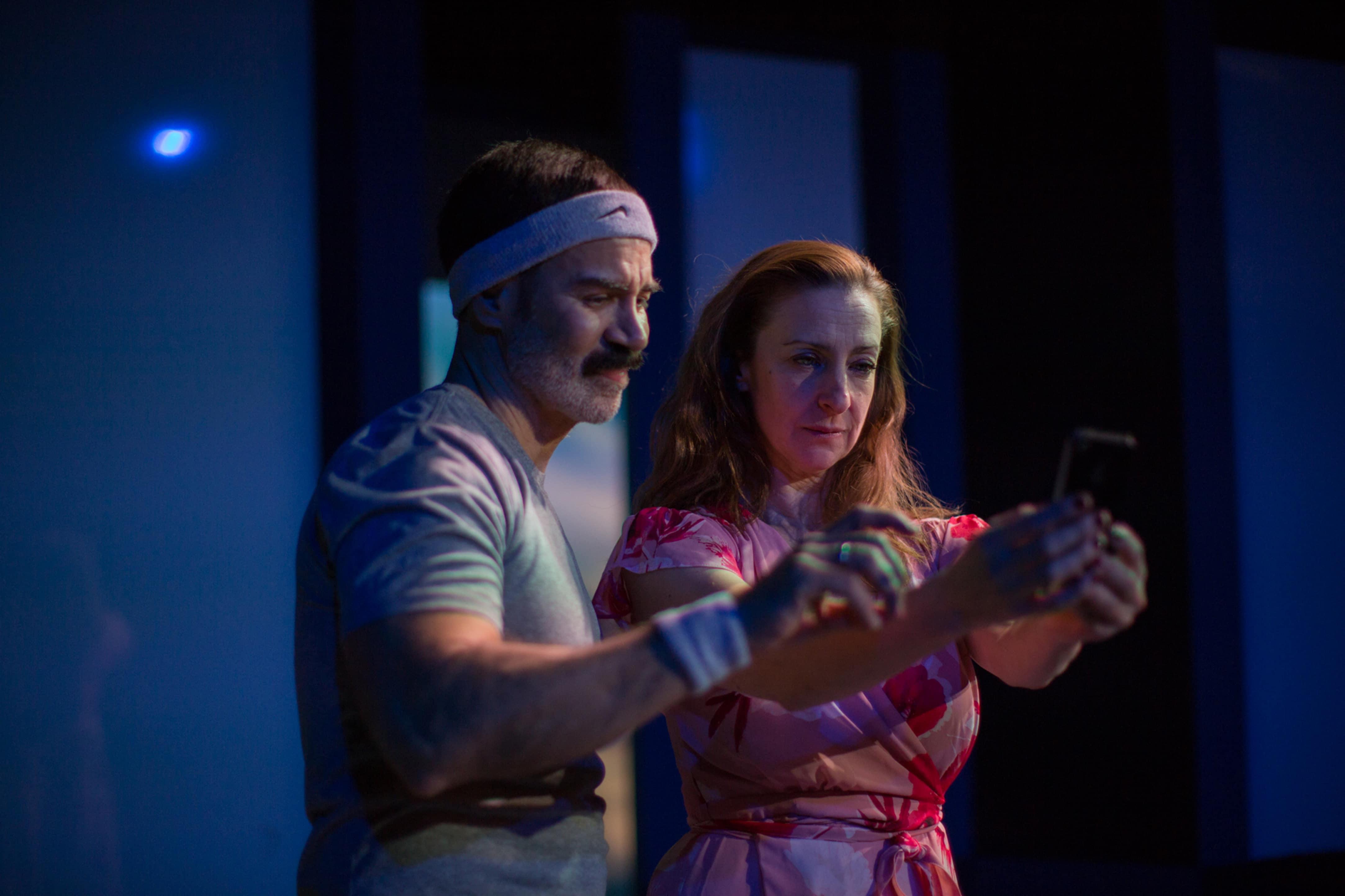 Carlos Castillo and Luz Nicolás in La Foto: A Selfie Affair. Photo by Daniel Martínez