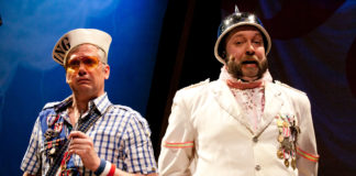Robert McLean (Pirate King) and Matt Kahler (Major General) in The Hypocrites' THE PIRATES OF PENZANCE. (Photo: Evgenia Eliseeva, courtesy of American Repertory Theatre)