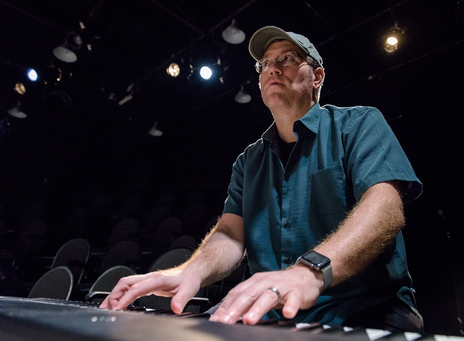 Travis Charles Ploeger on piano. Photo by Jeff Salmore.