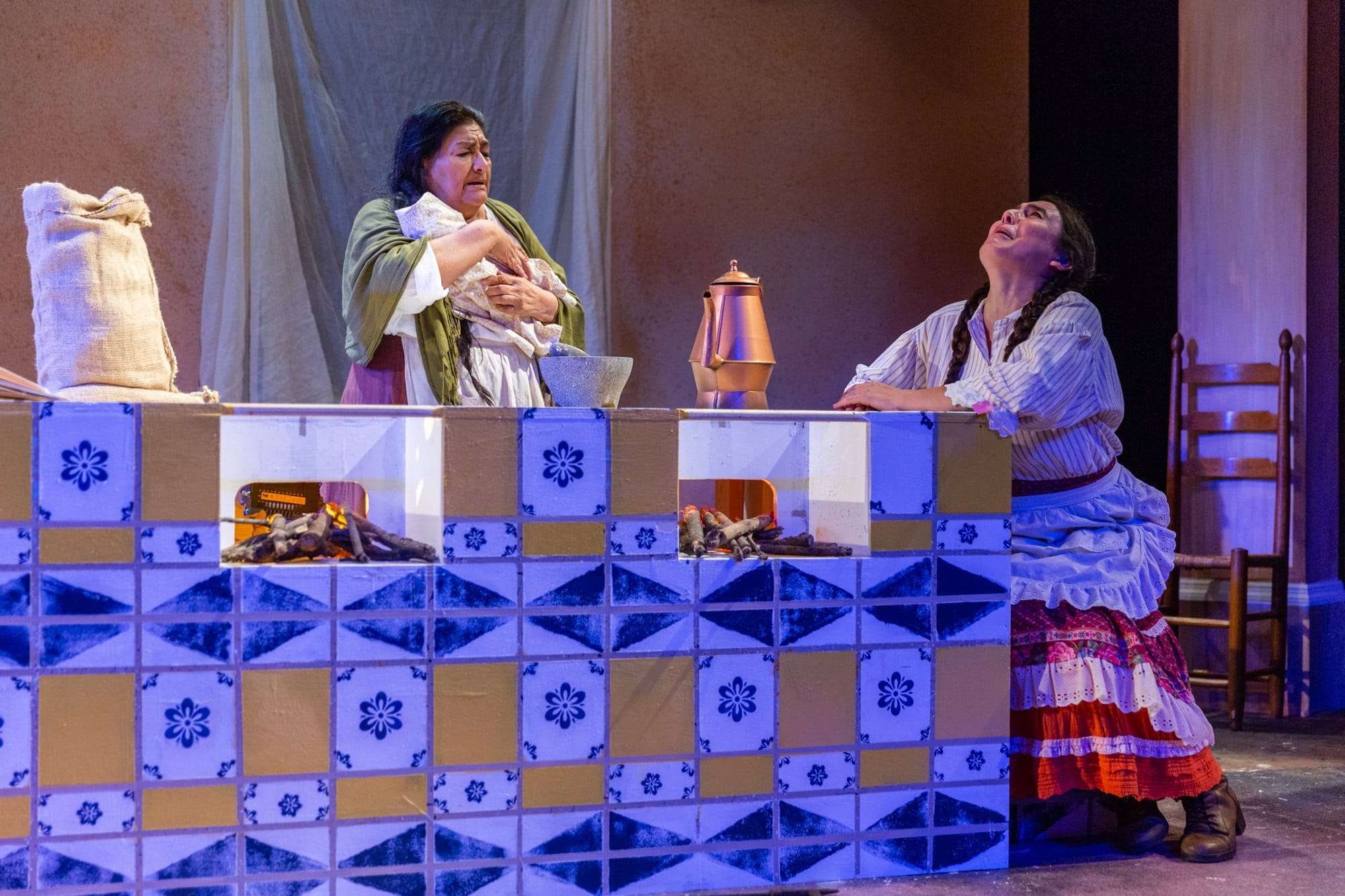 The U.S. premiere of Como Agua Para Chocolate (Like Water for Chocolate) plays through October 7, 2018, at GALA Hispanic Theatre. Photo by Daniel Martinez.
