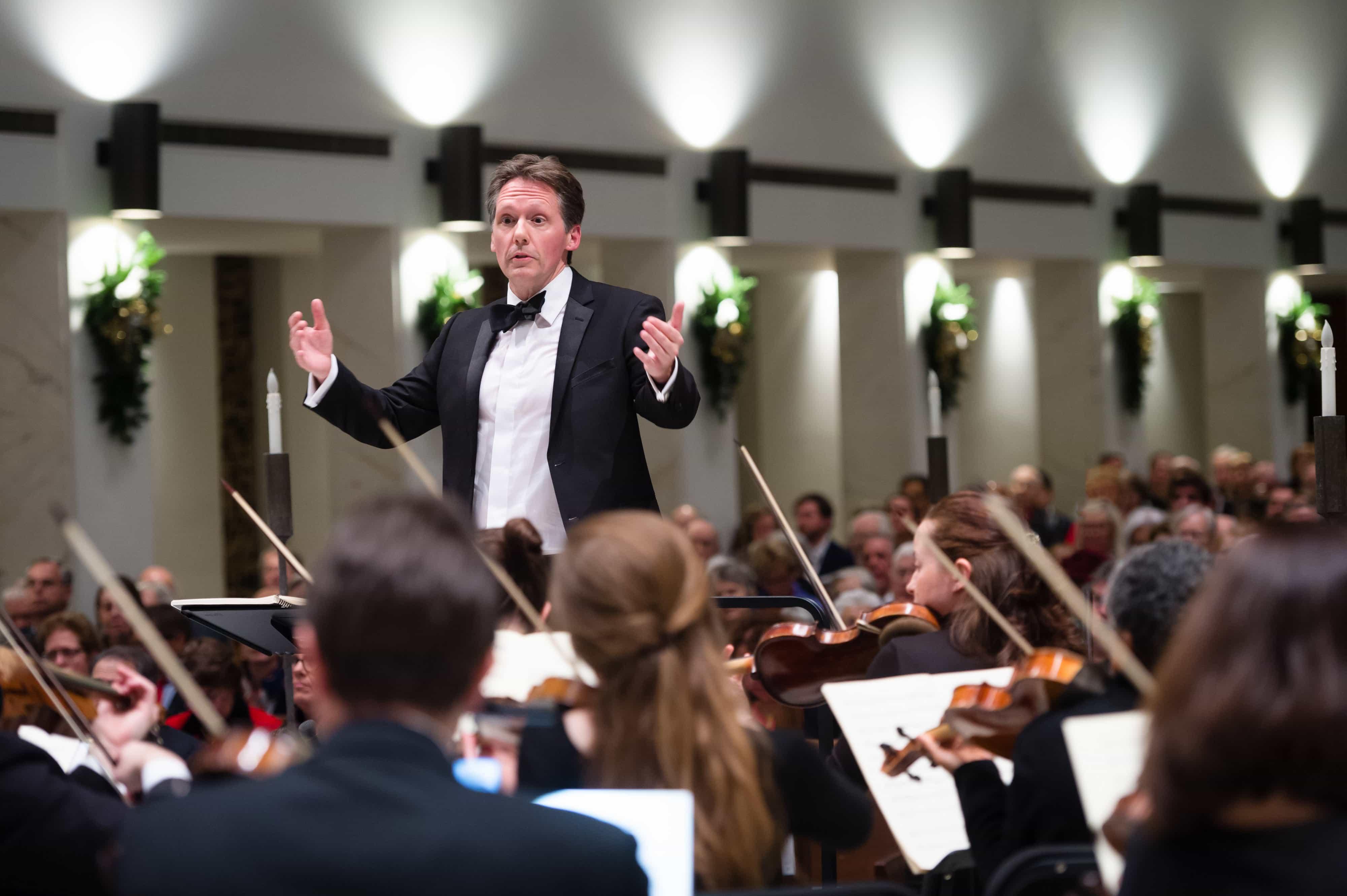 Dr. Dana Marsh, the Washington Bach Consort's new Artistic Director. Photo by David Betts, Metropolitan Photography.