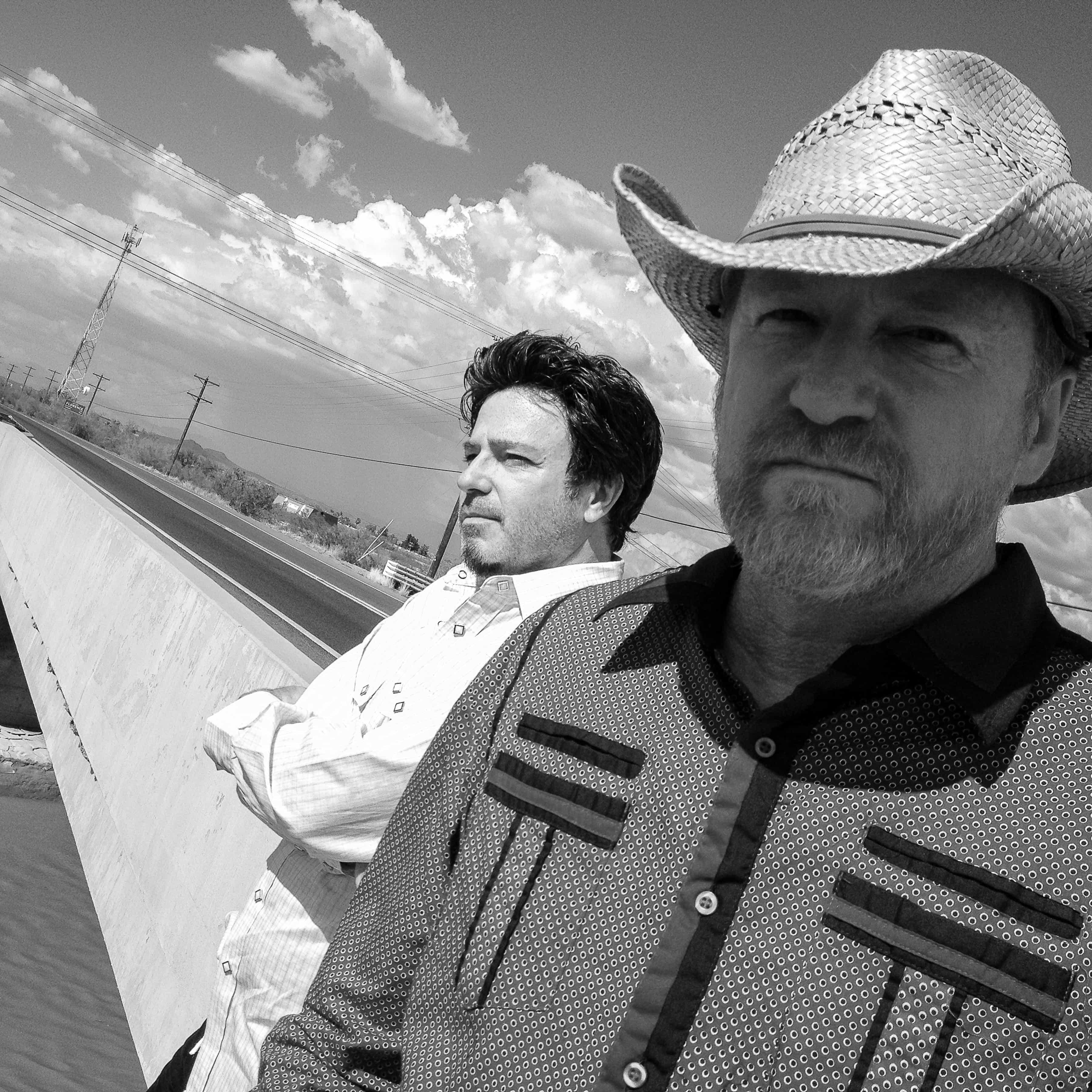 David Lowery (front) with Cracker bandmate Johnny Hickman. Photo by Bradford Jones.