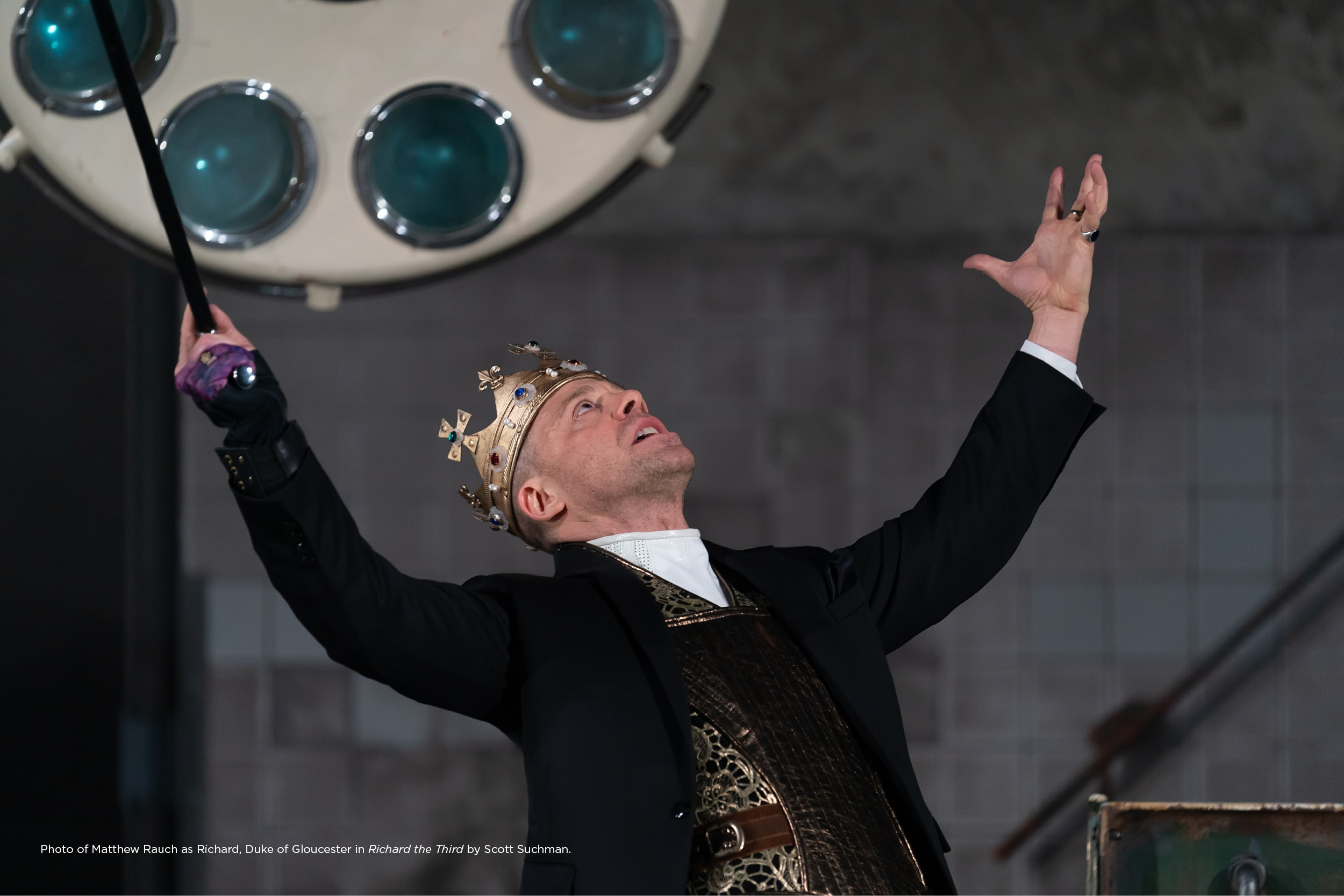 Matthew Rauch as Richard, Duke of Gloucester in Shakespeare Theatre Company's production of Richard the Third. Photo by Scott Suchman.