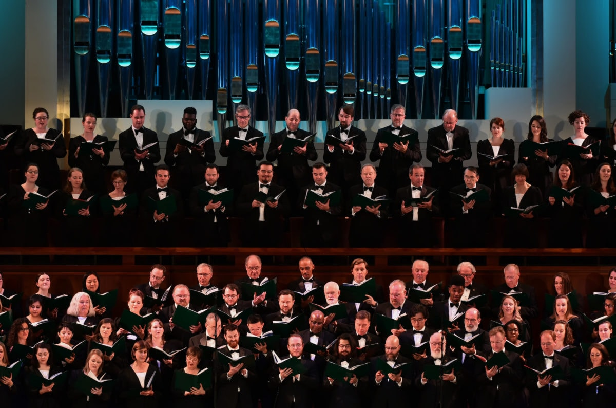 The Washington Chorus performs. Photo by Shannon Finney.