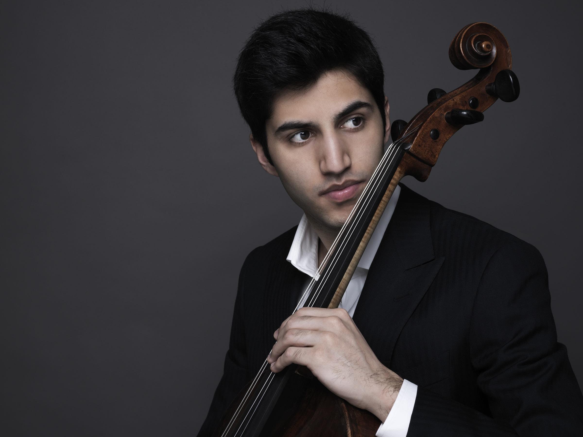 Cellist Kian Soltani. Photo by Juventino Mateo.