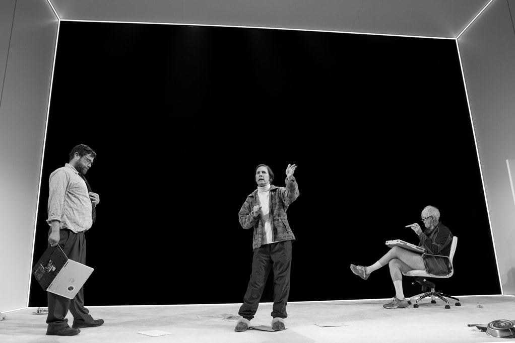 Zak Orth, Laurie Metcalf, and John Lithgow. Photo by Julieta Cervantes.