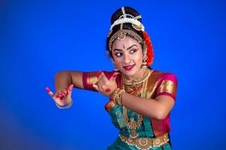 Dancer Sumi Rao. Photo by Siva Photography.