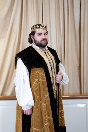 Spencer Pilcher as Richard III in 'Richard III' by Britches and Hose Theatre Company. Photo by Kat Thomas.